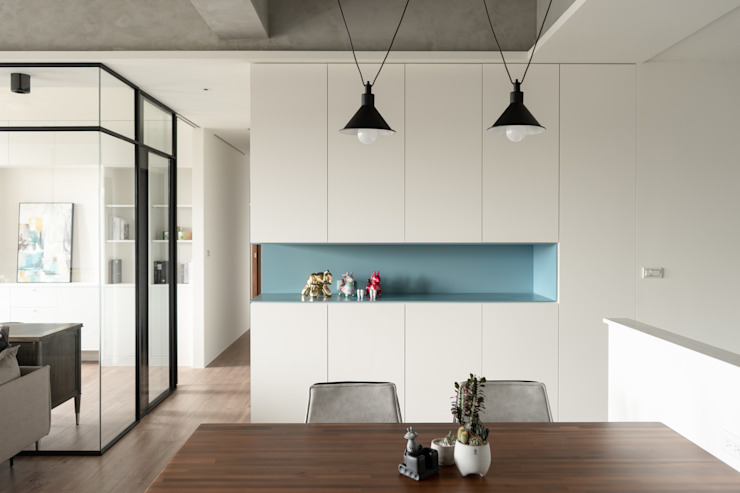 Dr. Wang案 | 餐廳區收納櫃 有隅空間規劃所 Industrial style dining room Plywood White