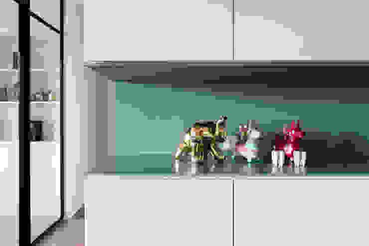 Dr. Wang案 | 餐廳區收納櫃 有隅空間規劃所 Industrial style dining room Plywood Blue