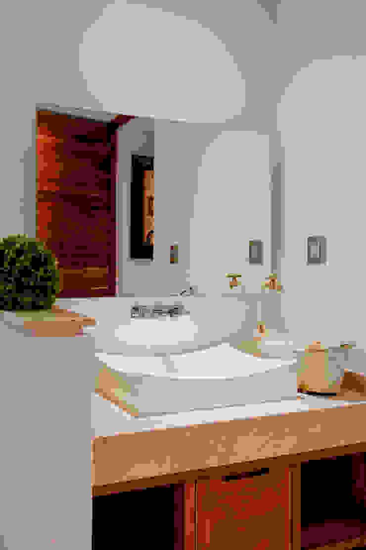 Detalle de Lavabo Baños modernos de GRUPO VOLTA Moderno Mármol