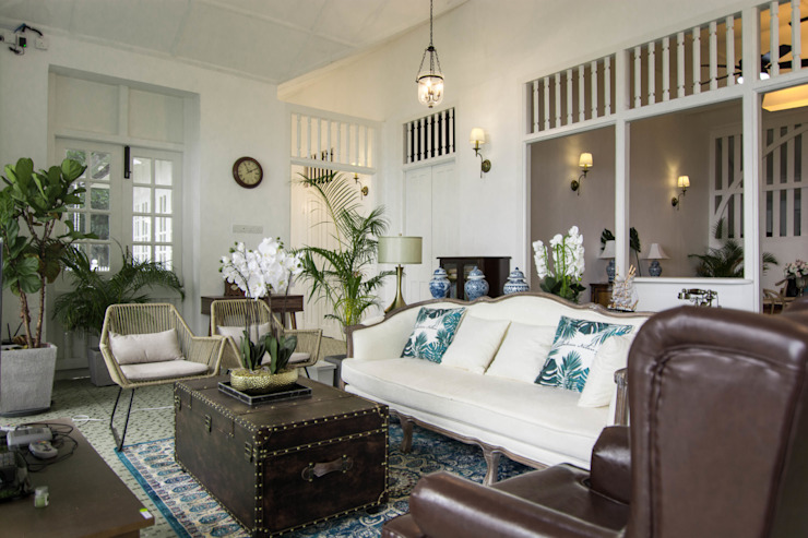 Living room Colonial style hotels by Mei Ee Architect Colonial