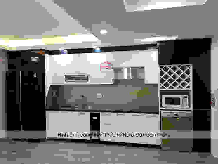 Hình ảnh thực tế bộ tủ bếp chữ i nhỏ đẹp trắng - đen nhà chị Hằng - tp. Vinh Nội thất Hpro KitchenCabinets & shelves Gỗ Multicolored