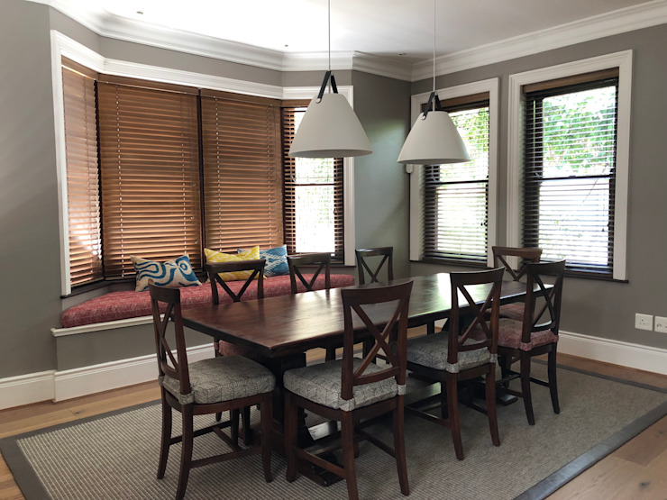 Dining room Turquoise Colonial style dining room Wood Multicolored