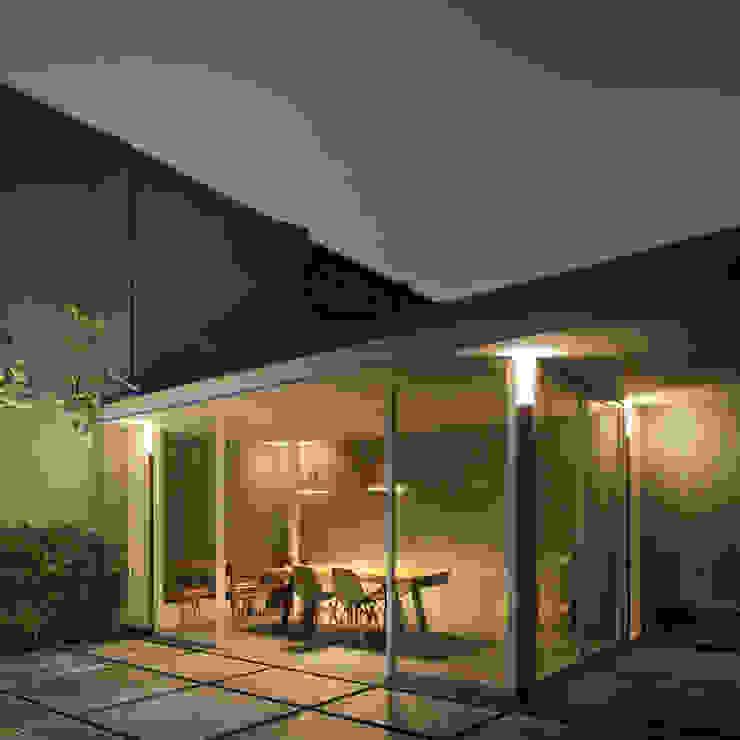 AJ's Backyard Oleh Arkitekt Studio Modern Besi/Baja