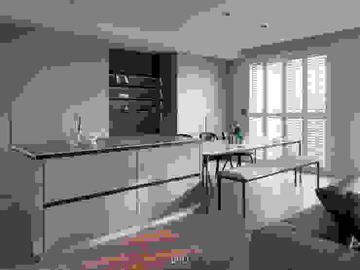 Comedores de estilo moderno de WID建築室內設計事務所 Architecture & Interior Design Moderno