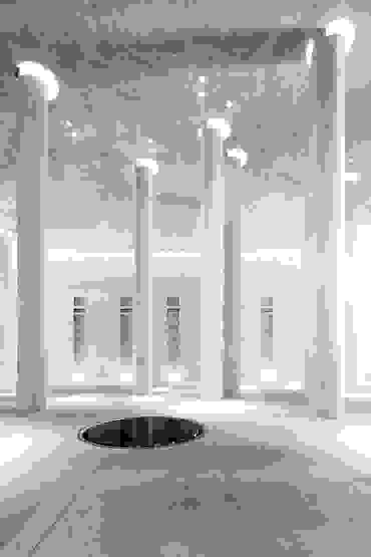 MAIPLATZ FOTOGRAFIE Paredes y pisos de estilo minimalista Concreto Gris