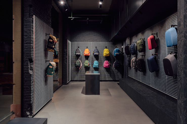CATBAG concept store of urban backpacks - Displays Studioapart Interior & Product design Barcelona Offices & stores Wood Brown