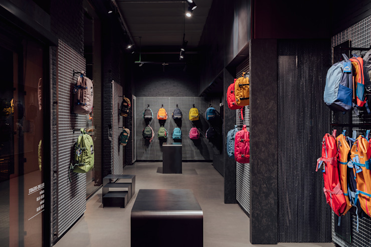CATBAG concept store of urban backpacks - Versatility in the exhibition Studioapart Interior & Product design Barcelona Offices & stores Wood Grey