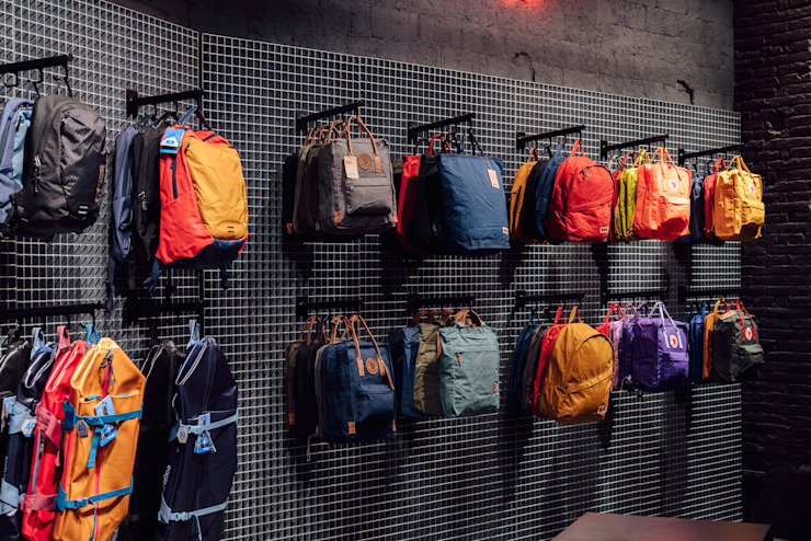 CATBAG concept store of urban backpacks - Custom furniture and accessories Studioapart Interior & Product design Barcelona Offices & stores Metal Metallic/Silver
