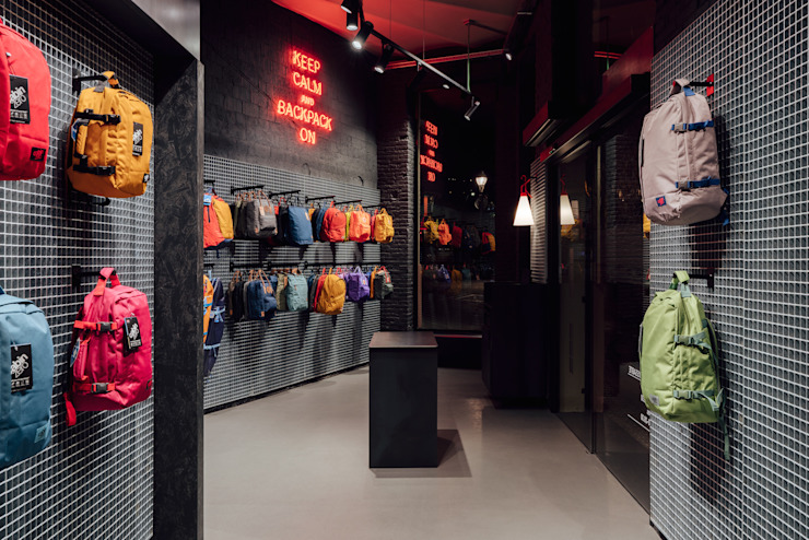 CATBAG concept store of urban backpacks - Integrated counter Studioapart Interior & Product design Barcelona Offices & stores Metal Black