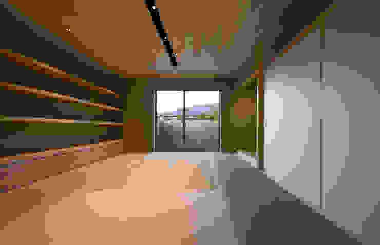 権常寺の家 和室 和風デザインの 多目的室 の Atelier Square 和風