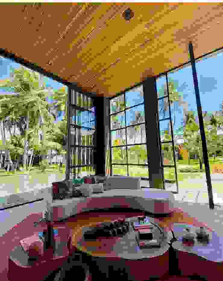Camacã Design em Madeira Balconies, verandas & terracesFurniture