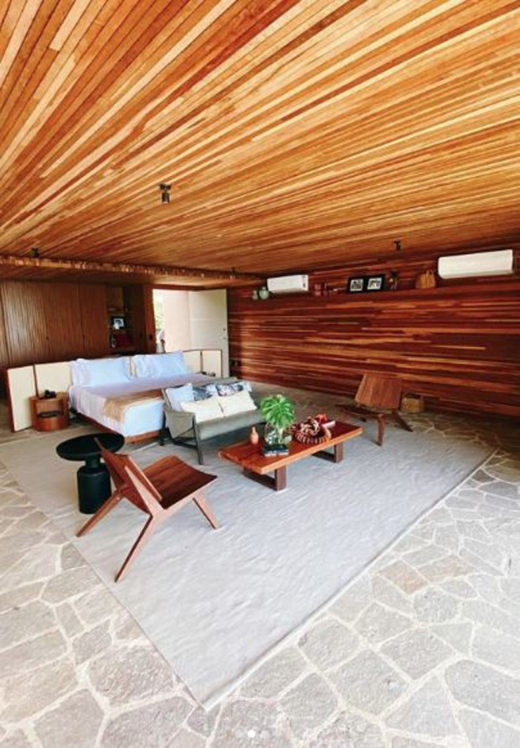 Camacã Design em Madeira BedroomBedside tables