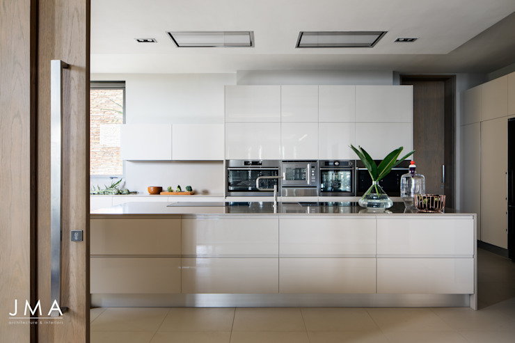 Connected Atlantic Living - Kitchen by Jenny Mills Architects Modern