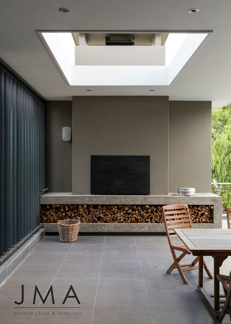 Welgedacht Villa - Exterior Living & Braai by Jenny Mills Architects Modern