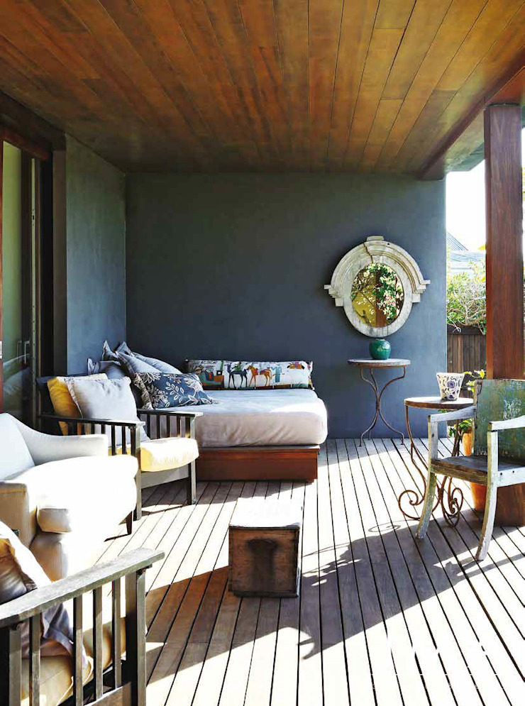 Award Winning Clifton Bungalow - Outdoor Living by Jenny Mills Architects Country