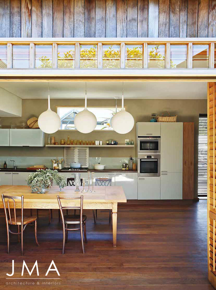 Award Winning Clifton Bungalow - Kitchen and Dining by Jenny Mills Architects Country