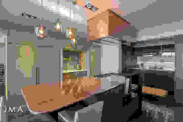 Sea Point Apartment - Kitchen Modern kitchen by Jenny Mills Architects Modern