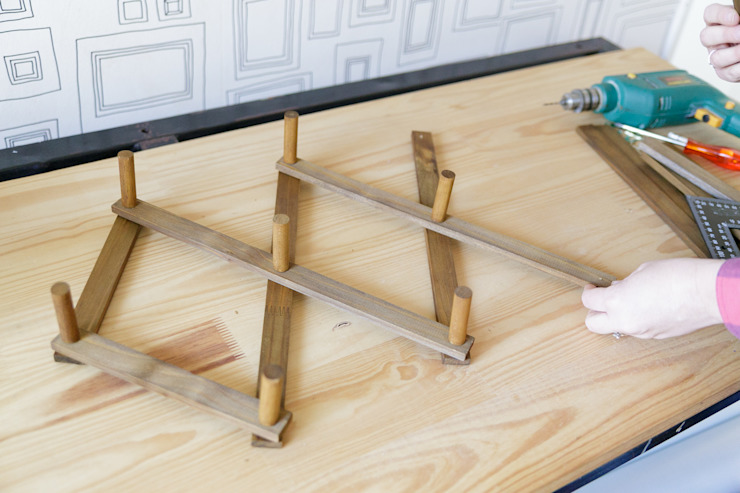 How To Make A DIY Vintage Accordion Wall Rack: country  by Lovilee Blog, Country Wood Wood effect