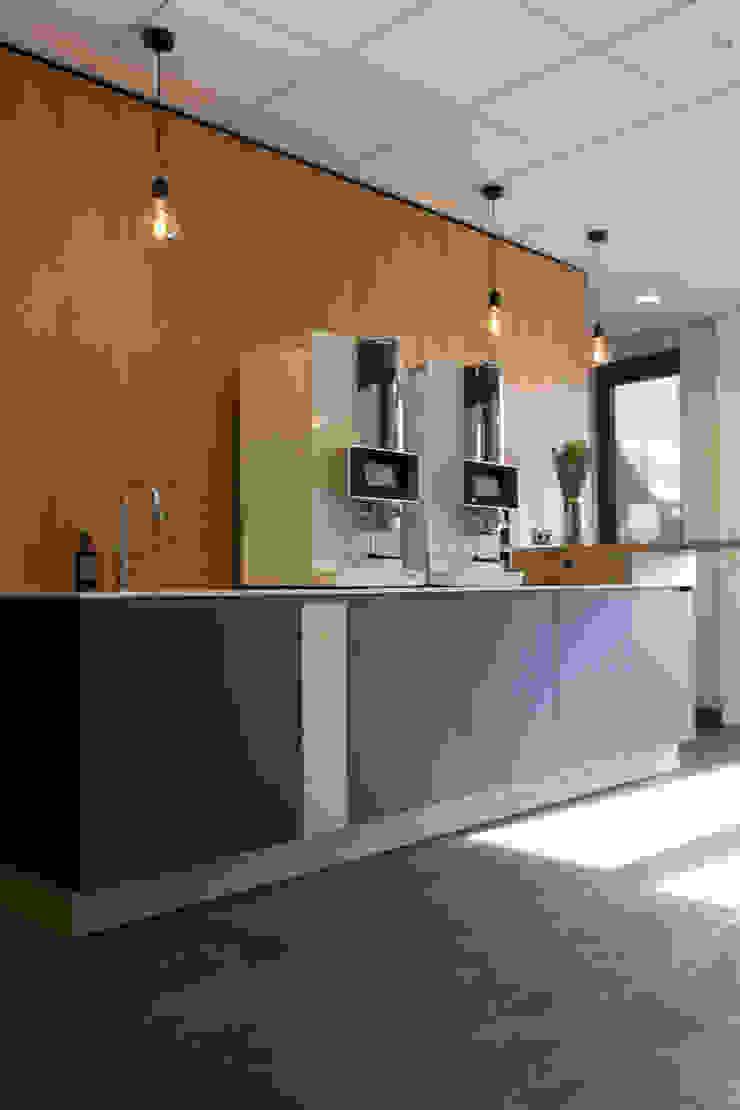 by Plint interieurontwerp Modern Wood Wood effect