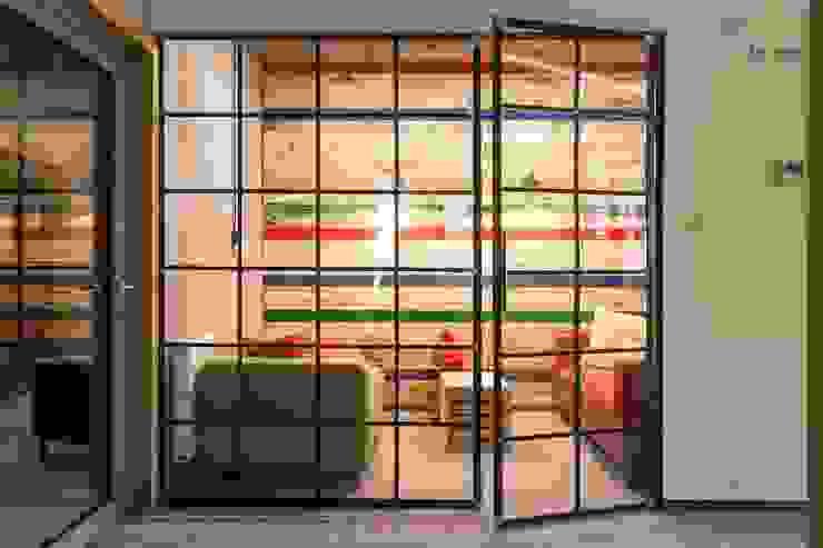 Raw Finish Crittall Style Office Screen Urban Steel Designs อาคารสำนักงาน ร้านค้า โลหะ
