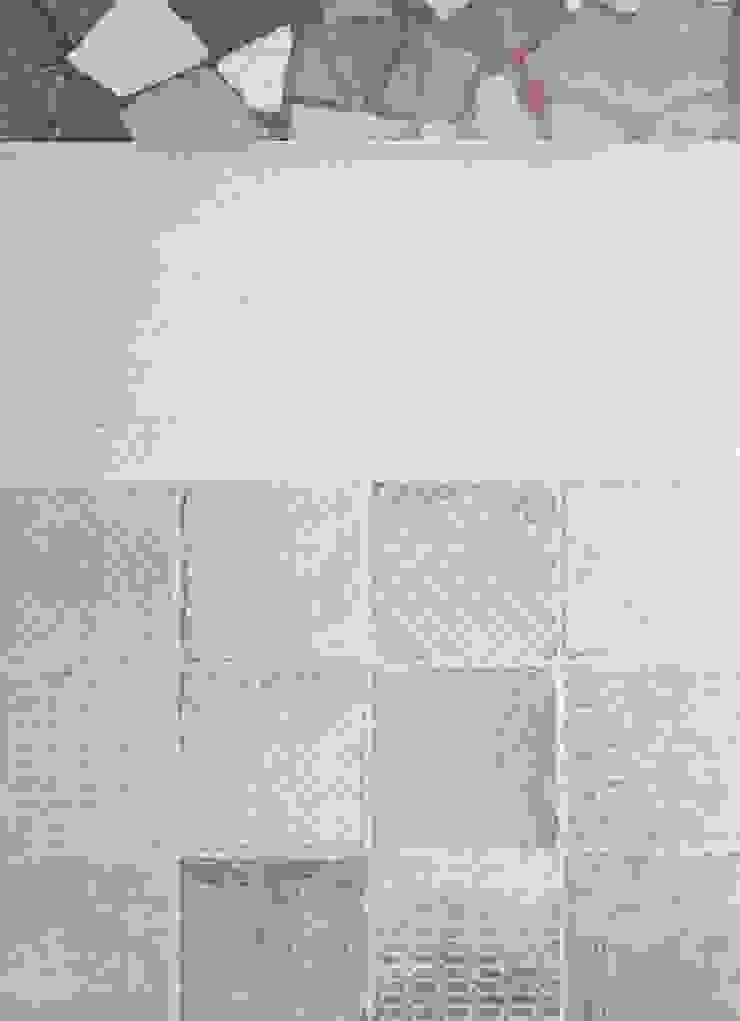 Dettaglio pavimentazione Studio Dalla Vecchia Architetti Ingresso, Corridoio & Scale in stile classico Piastrelle Beige