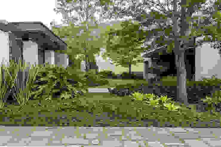 Espacios verdes personalizados Canelo exteriores Jardines delanteros
