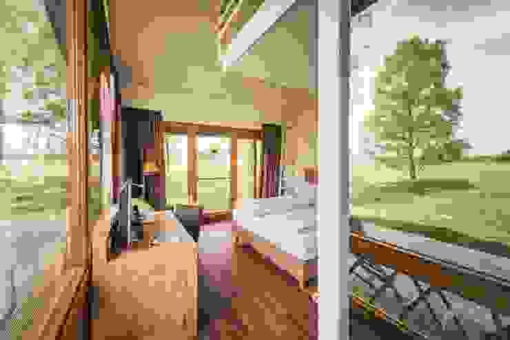 Zimmer Naturhotel Moderne Hotels von MarTiem Fotografie Modern