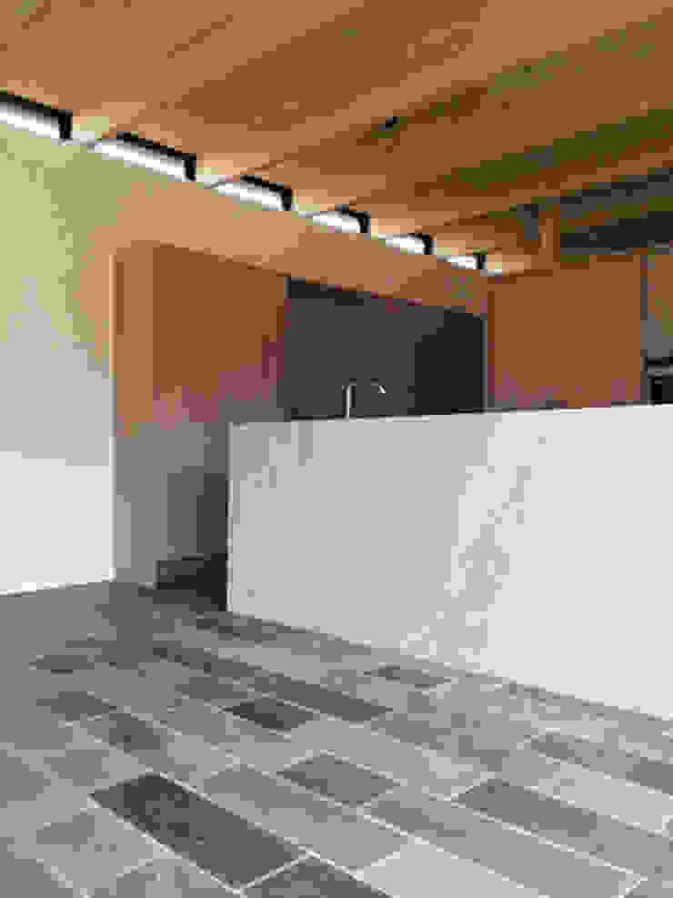 BRICK HOUSE Modern kitchen by Douglas & Company Architects Modern
