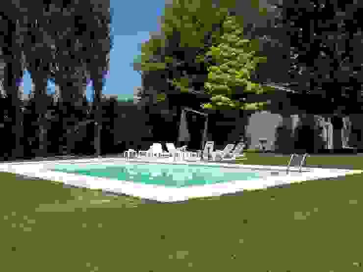 La piscina Simona Muzzi Architetto Giardino con piscina Ferro / Acciaio