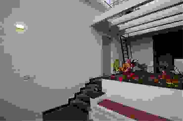 Terrace Seating Modern balcony, veranda & terrace by Ideation Design Modern Granite