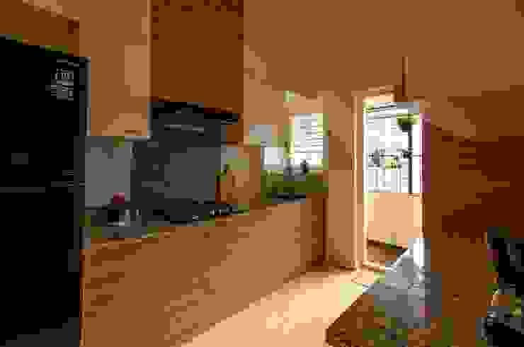 Kitchen by Ideation Design Modern Wood Wood effect