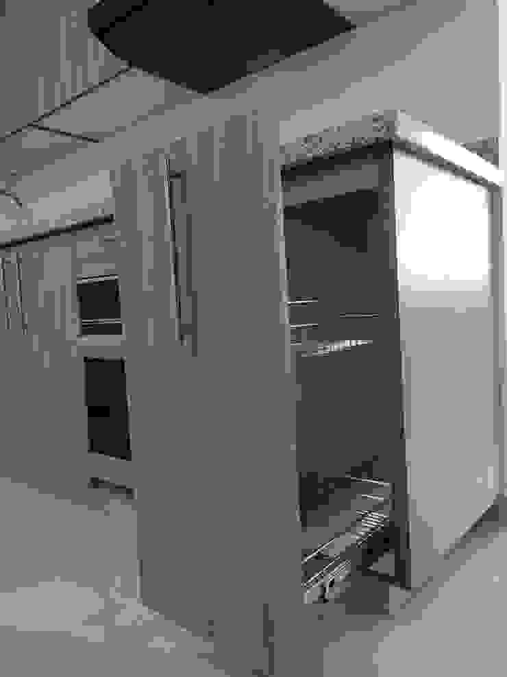 Cocina Integral en L de G&T Arquitectos sas Clásico Madera Acabado en madera