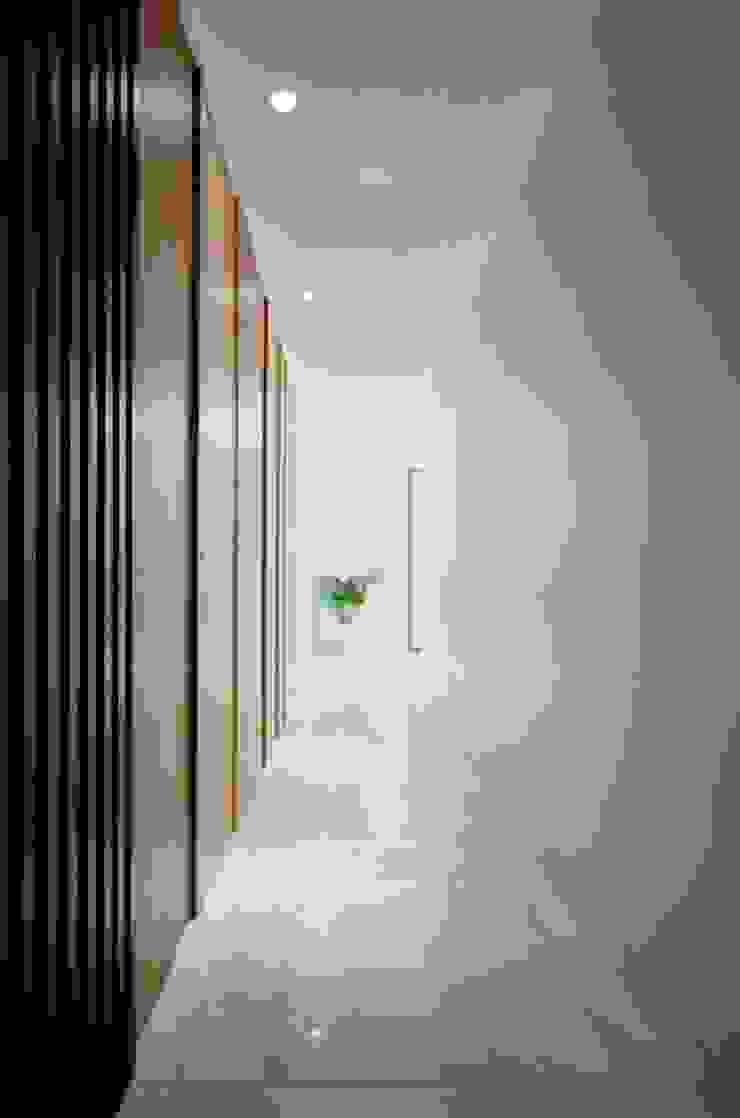 廊道 根據 墨映室內裝修設計 簡約風