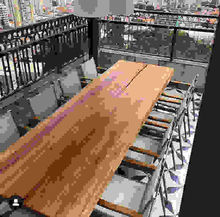 Camacã Design em Madeira Balcones y terrazasMobiliario Madera maciza