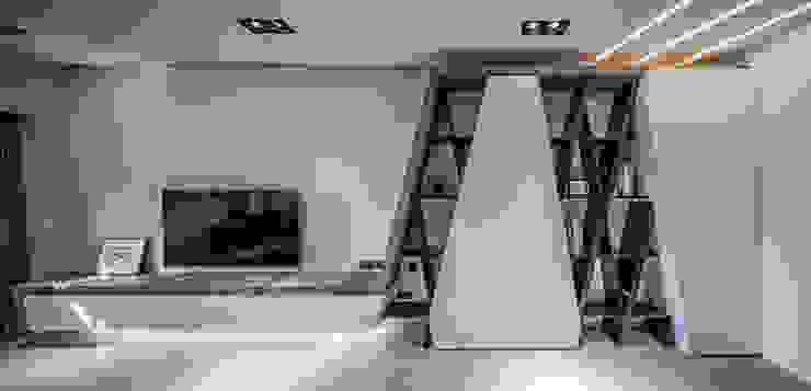 大安L&C 现代客厅設計點子、靈感 & 圖片 根據 無相室內裝修有限公司 現代風