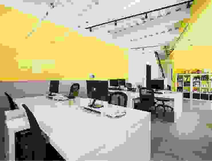 築本國際設計有限公司 Study/office