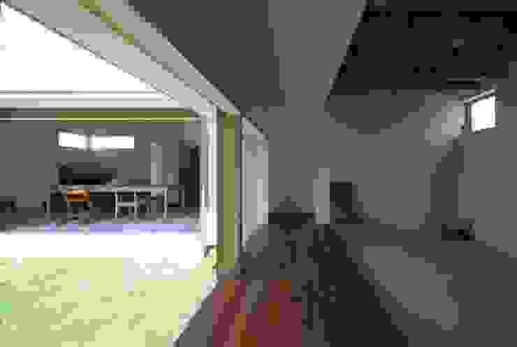廊下 北欧スタイルの 玄関&廊下&階段 の 松原建築計画 一級建築士事務所 / Matsubara Architect Design Office 北欧