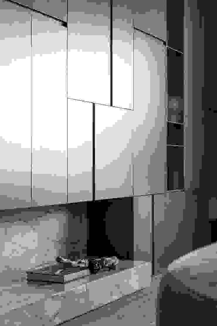 Modern Walls and Floors by 十境創物空間設計 Modern