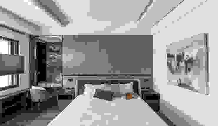 Modern Bedroom by 十境創物空間設計 Modern