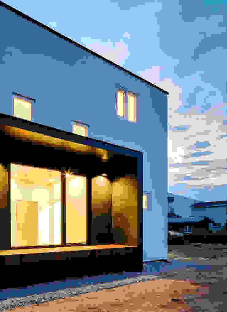 다락 위에 다락 화이트 & 블랙의 심플한 춘천모던하우스-외부 위드하임 목조 주택