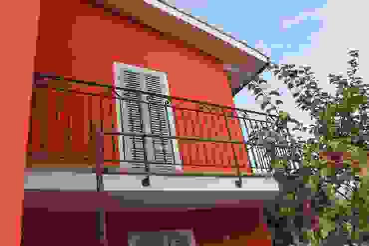 Villa MF PtrX Studio di Mattia Patrassi Balcone Rosso