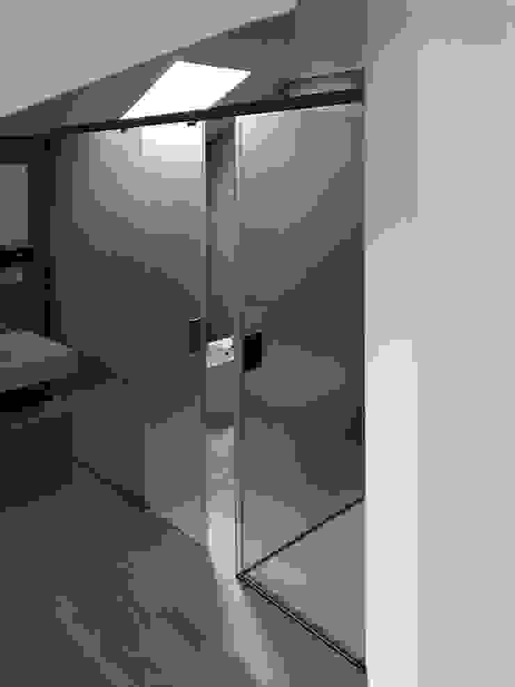 AISI Design srl Minimalist bathroom Iron/Steel Transparent