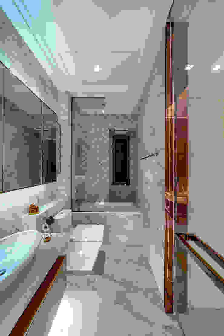 House in Tai Wai Modern bathroom by ED Design Limited Modern