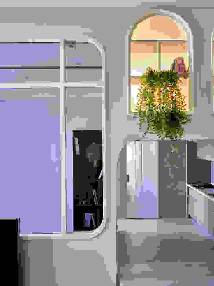 耀昀創意設計有限公司/Alfonso Ideas Puertas y ventanas escandinavas