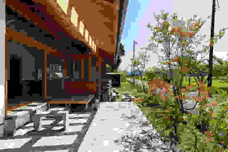 Scandinavian style balcony, veranda & terrace by エイチ・アンド一級建築士事務所 H& Architects & Associates Scandinavian