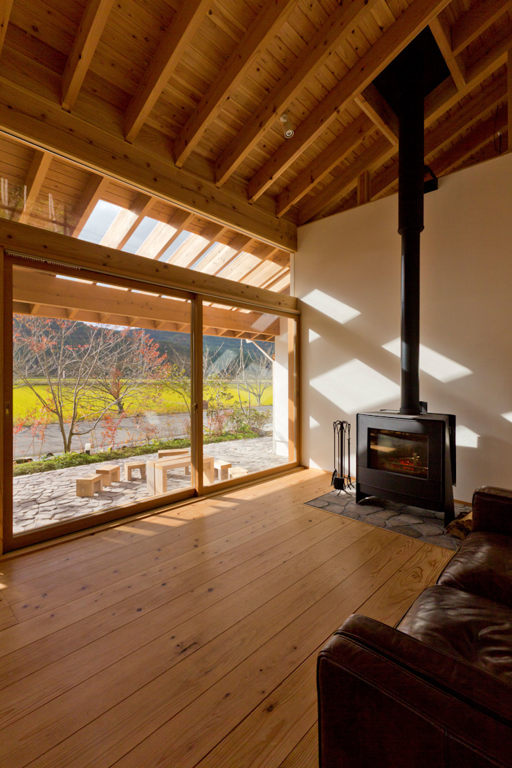Scandinavian style living room by エイチ・アンド一級建築士事務所 H& Architects & Associates Scandinavian