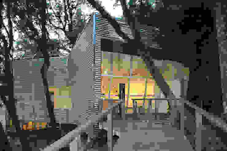 Galeria Interpretativa 1 ecoarquitectura Museos de estilo minimalista Hierro/Acero Metálico/Plateado