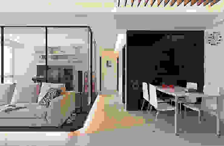 明亮的穿透感 根據 黔鏡室內設計 現代風 玻璃