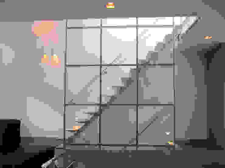 trap van Studio FLORIS Modern Aluminium / Zink