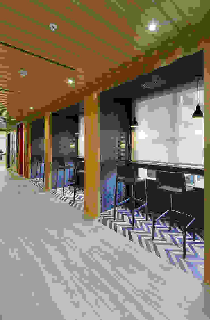 Espacio coworking de Alexandra Keller, diseño de Interiores Industrial Metal